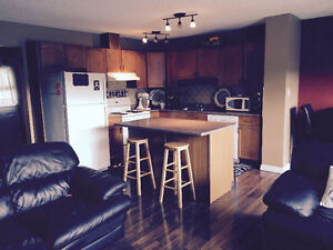 BEAUTIFULLY RENOVATED 3 bedroom Duplex NE - available NOW