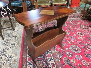 VINTAGE WOODEN SIDE MAGAZINE TABLE IN GREAT CONDITION