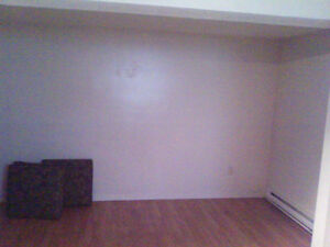 Room for Rent (Hull) Close to OttawaU and UQO) Gatineau Ottawa / Gatineau Area image 3