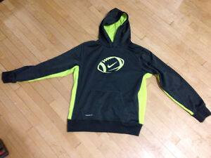 Nike Boys therma-fit