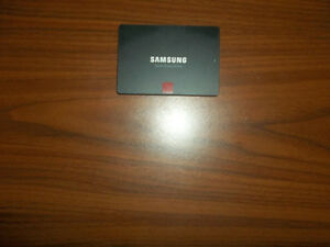 850 Pro Samsung 256GB Solid State Harddrive