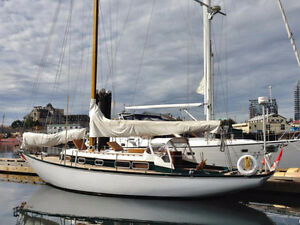 38' Wooden Sailboat for sale (brand new engine)