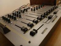 Plusieurs mixeur pour DJ ou discothèques a vendre
