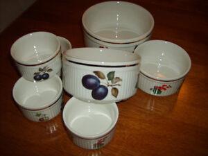 Vintage Staffordshire Salem England Porcelain Ramekins