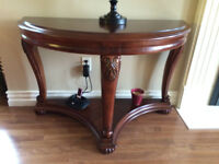 BEAUTIFUL SOFA TABLE, priced to sell, in showroom condition