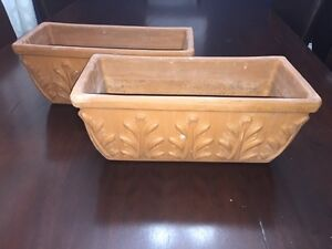2 ceramic clay flower pots