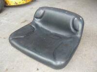 LAWN TRACTOR/MOWER SEATS