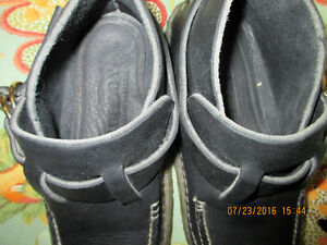 Quoddy Women's Black Leather Ringboot - Mocassin  ** REDUCED ** London Ontario image 6