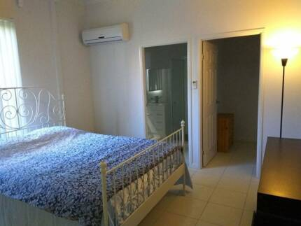Beautiful Ensuite Room for Couples Great Location