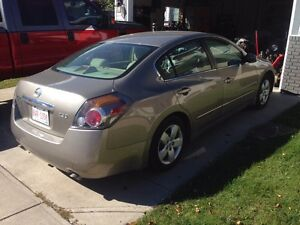2007 Nissan Altima **Trade for sled considered**