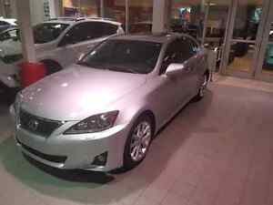 Lexus is 350 super propre