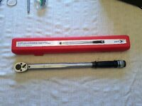 New Torque Wrench Jet 1/2in Drive 150 ft/lb Micrometer