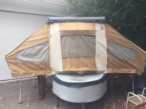 Small tent trailer