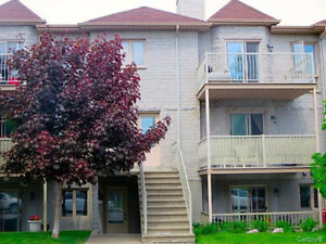 Large 6 1/2 for rent in Lasalle near Angrignon