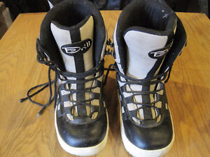 Drill, Mens Size 9 Boot, Good Condition.