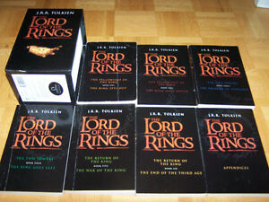 BOXED SET LORD OF THE RINGS 7 BOOKS PAPERBACK TOLKIEN