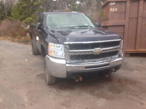 Parting out 2008 cheverolet duramax 4x4 2500 hd
