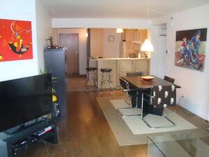 2 chambres  très beau condo près Maguire et Myrand et université