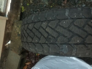 4 205/55/16 studed tires 2 205/55/16 non studed