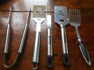 "BBQ tongs, fork, ""flipper"""