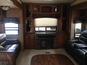 2015 forest river sandpiper. Financing available...!!!