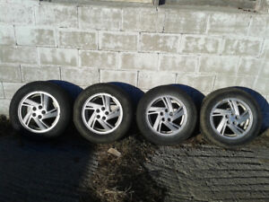 4 Alloy 15 inch GM wheels 5x100 bolt patern