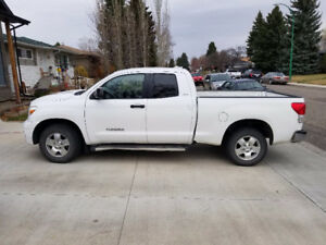 *Reduced* 2011 Toyota Tundra SR5 Pickup Truck