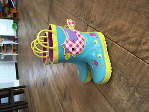 Size 7 toddler rubber boots!
