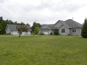 256 Settlement Rd, Lindsay - 2+1 Bdrm Home on 74+ Acres