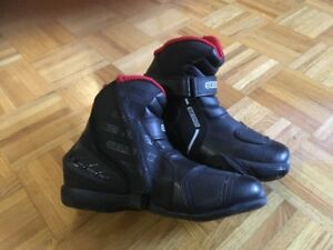 motocycle boots Sedici, size 9 mens