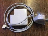 Apple MacBook Pro charger magsafe 2 60w 16.5v 3.65A