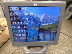 "HP monitor 18"" LCD Flat Screen VGA & DVI Ports ."
