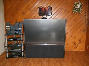 """65"""" TOSHIBA CONSOLE PROJECTION TV. BEAUTIFUL TV! NEW PRICE!"""