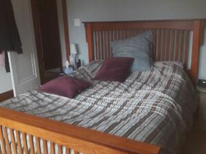 Bedroom set - asking CAD $400