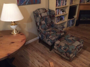 WINGBACK CHAIR WITH MATCHING OTTOMAN Kitchener / Waterloo Kitchener Area image 2