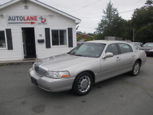 2009 Lincoln Town Car Signature Limited  Only $6995