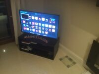 Perfectly working Smart TV (Samsung UE40H6400) with Freeview