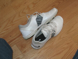 ladies / womens golf shoes size 7 Kingston Kingston Area image 3