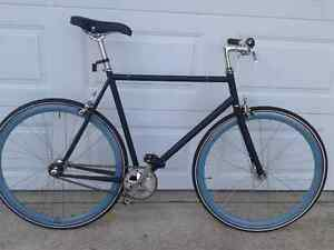 Globe Roll SE 2011 fixie/single speed