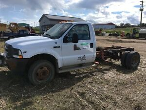 2003 F-450 Cab and chaise for parts