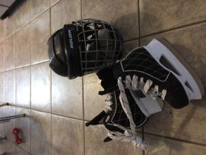 Hockey skates y13 & helmet w cage