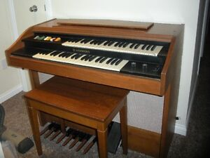 Hammond electric organ in Melfort