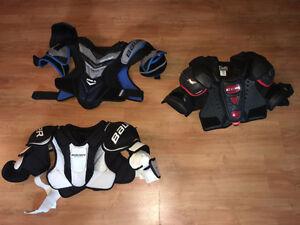 plusieurs épaulette pour joueur de hockey de SR à YTH de 5 à 50$