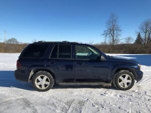 Chevy Trailblazer LT 4x4 4.2L Fully Loaded