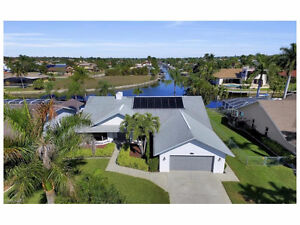 **WATERFRONT PARADISE** - in Cape Coral, Fl (US)
