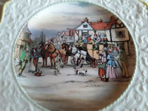 FINE CHINA CABINET PLATE, ROYAL WINTON, ENGLAND