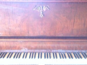 2 good free pianos. Must go now!