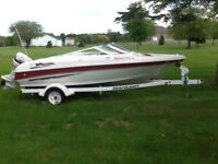 19 ft Larson Bow Rider Boat &  Trailer 115 hp Johnson  Like New