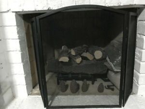 Brand New Vermont Venting Gas Log Fireplace - Never used