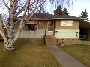 Large 2 bedroom mainfloor house for rent .UTILITIES INCLUDED